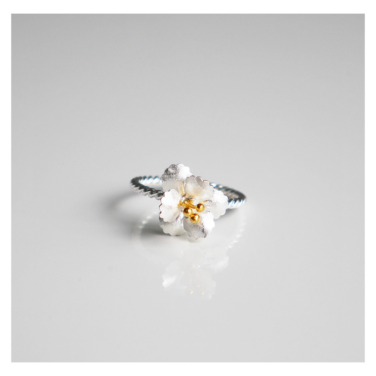White Hibiscus Flower Ring