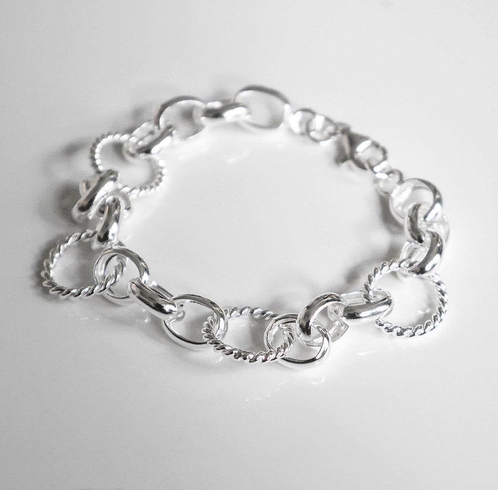 intelock bracelet in 925 sterling silver, intelock sipver bracelet by KesleyBoutique, girlwith3jobs jewelry in Miami
