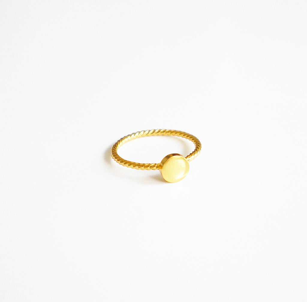 Little Circle Plate Ring
