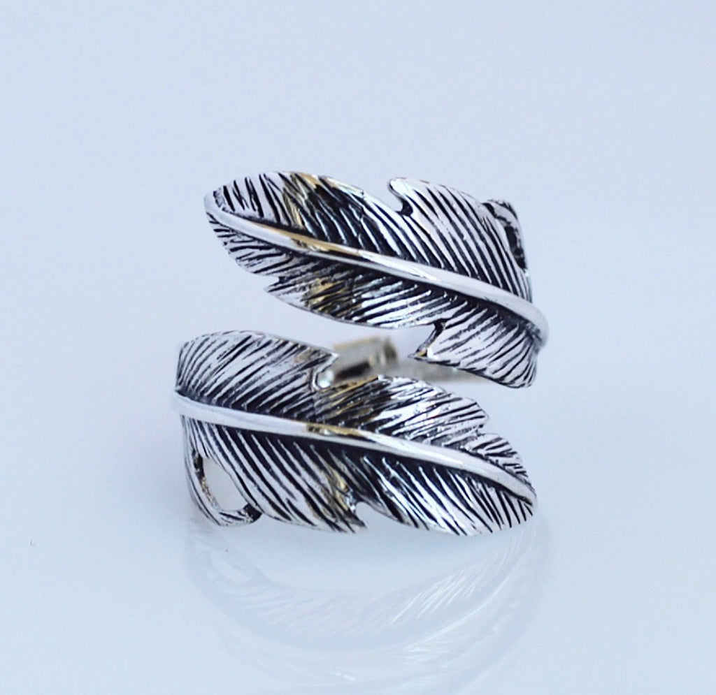 Adjustable Feather Ring by Kesley Boutique, Girlwith3jobs