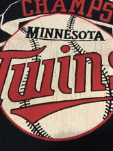 Load image into Gallery viewer, Vintage 1980s MINNESOTA TWINS 1987 WORLD SERIES Large T-Shirt