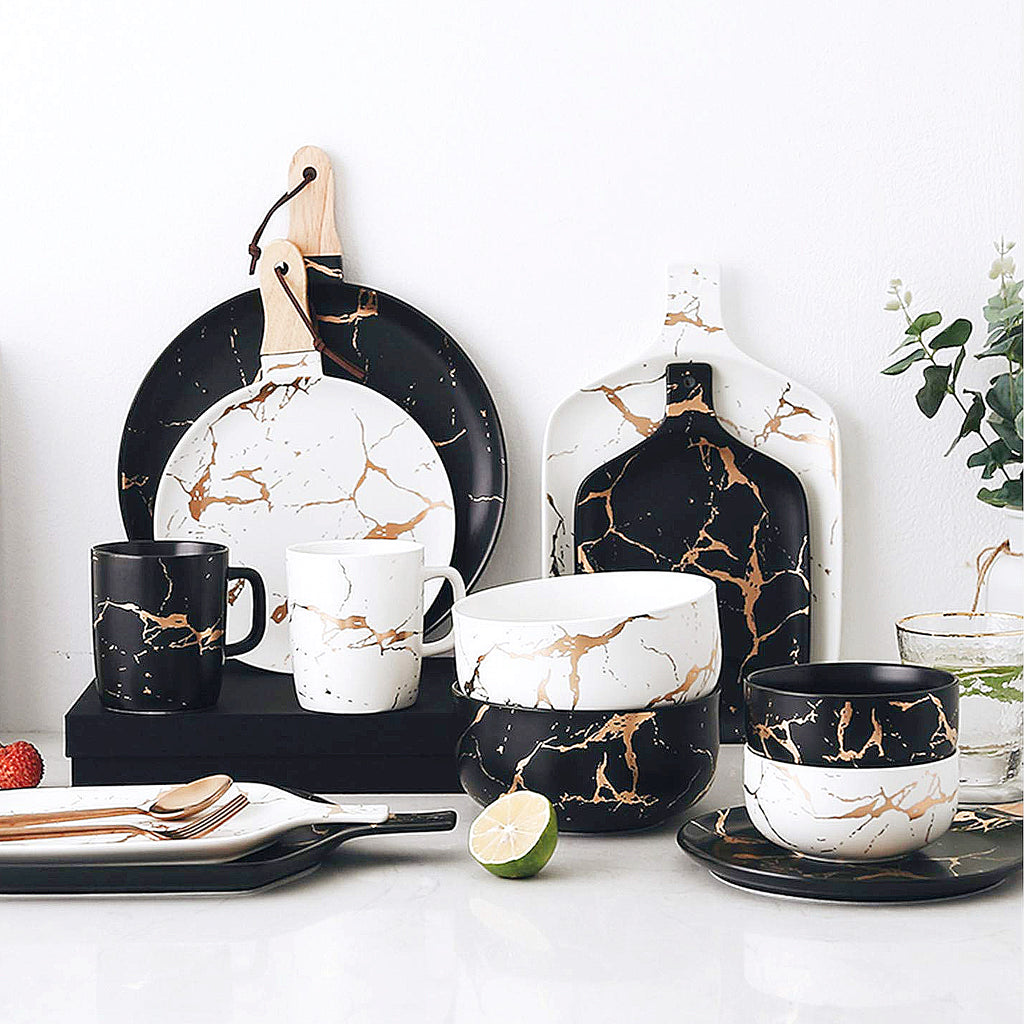 Erik Tableware Set