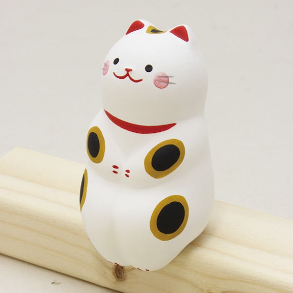 Sitting Doll spoted Cat K12-3309C
