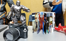 Load image into Gallery viewer, Stan Lee 1:6 Autograph Book