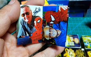Stan Lee 1:6 Autograph Book