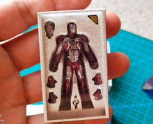 Load image into Gallery viewer, Hot Toys Iron Man Mark 5 ( Diecast Version) 1:6 Artistic Box