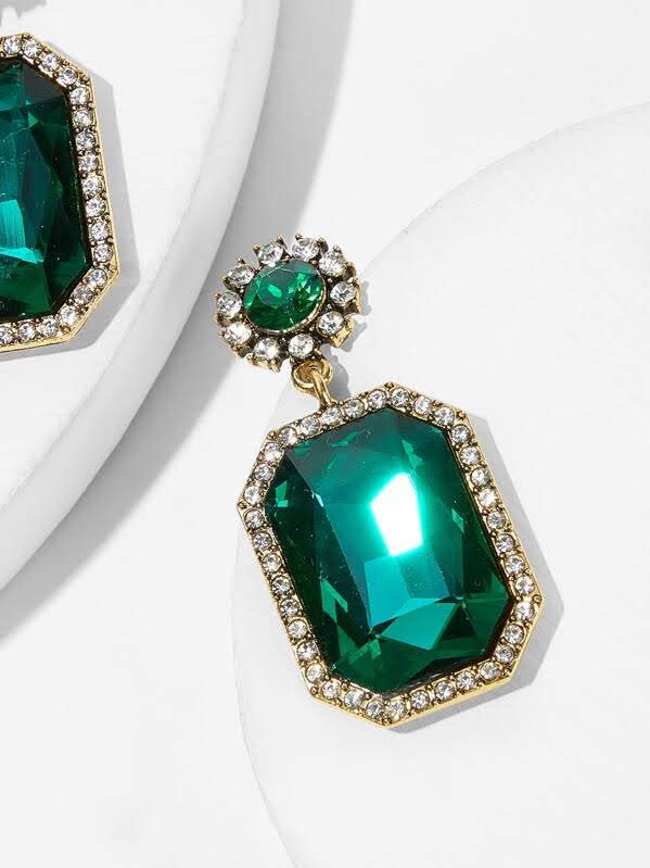 Green Envy Drop Earrings 1pair