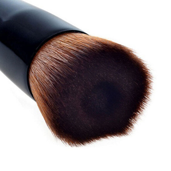 Soft Groove Brush for Facial and Eye Makeup