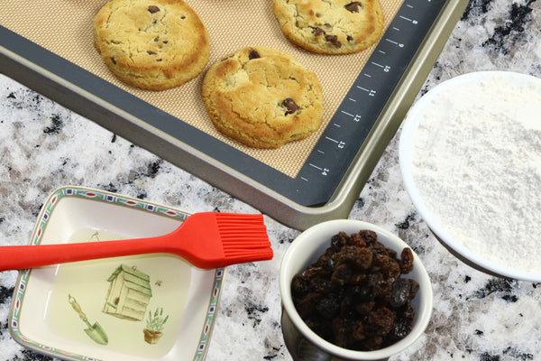 Use case for Silicone Baking Mat & Silicone Basting Brush- altCookingHub