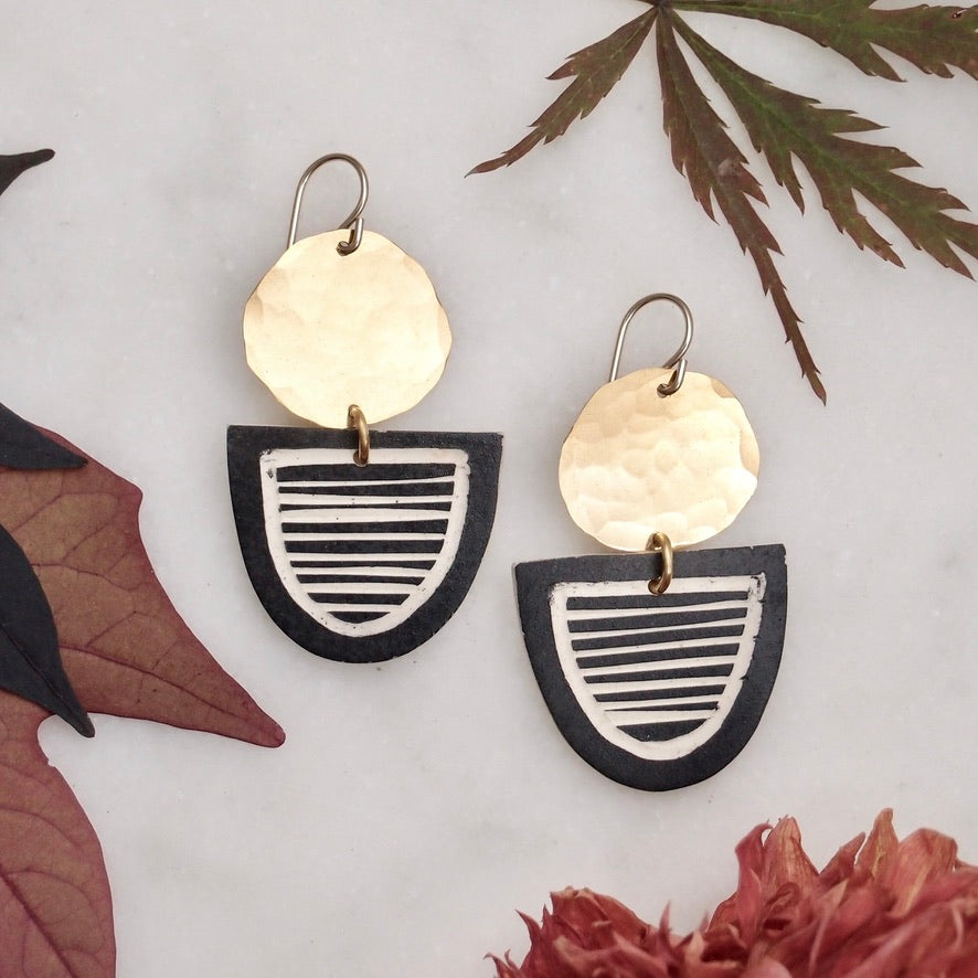 Ceramic and brass earrings - stripe with border
