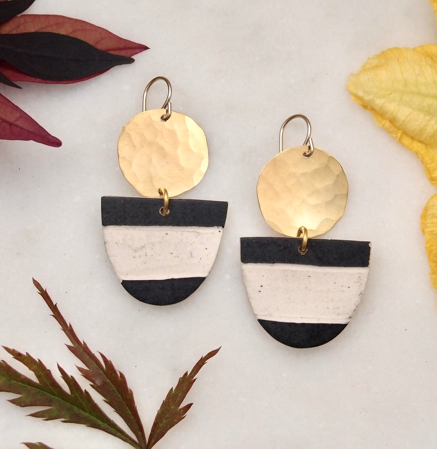 Ceramic and brass earrings - Wide Stripe