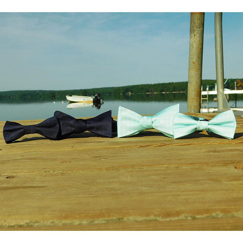 Solid Color Bow Tie - Light Green, Woven Silk, Adult