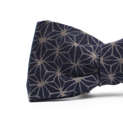 Pointed Geoprint Bowtie