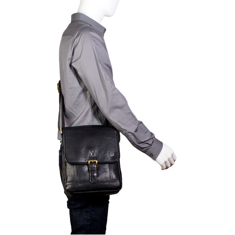 Image of Hunter Small Leather Crossbody Messenger