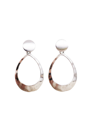 Image of Kinsley Geometric Oval Earrings in Hammered Silver