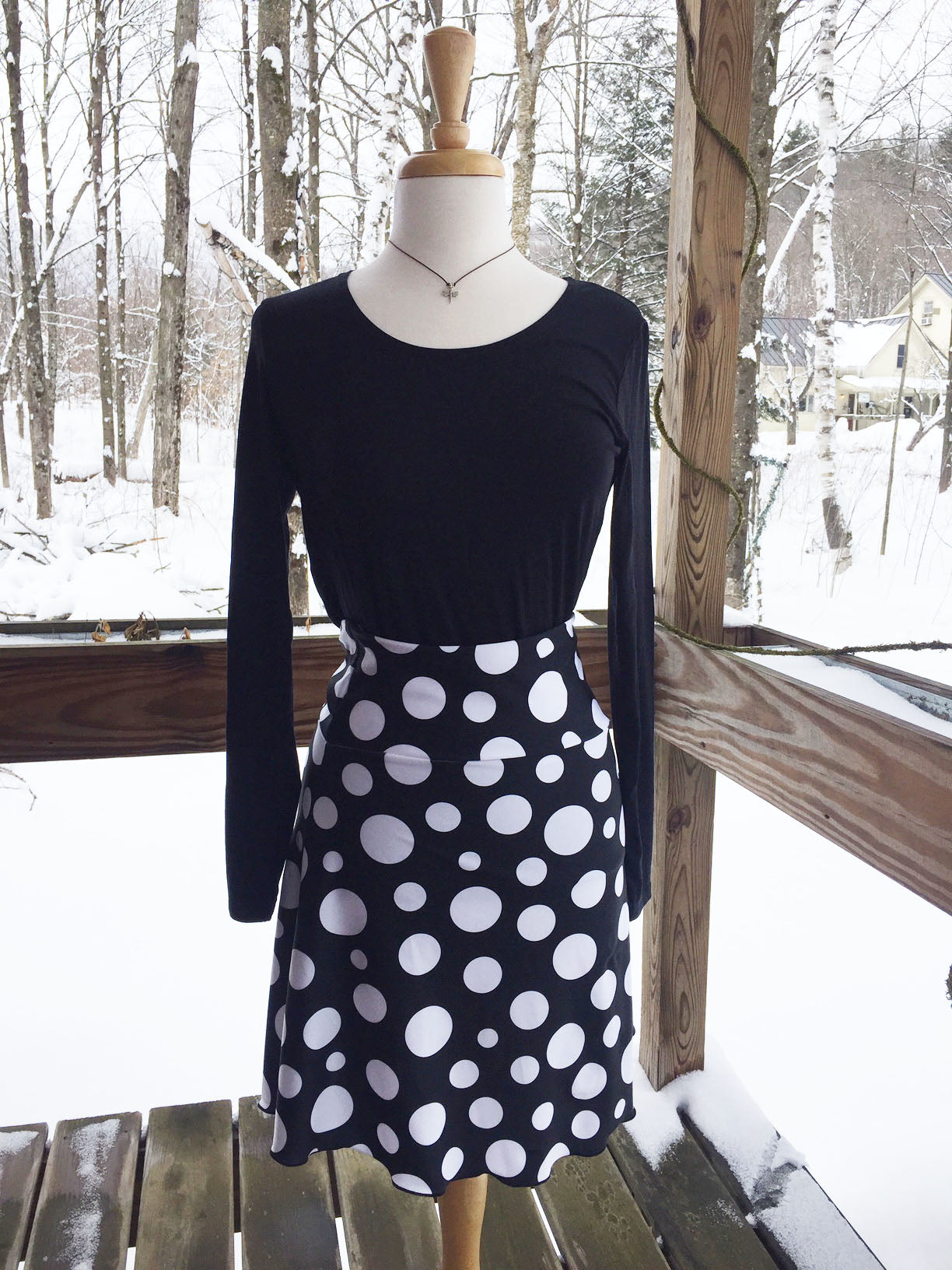 "Reign Vermont Adventure Skirt in ""Do the Polka"""