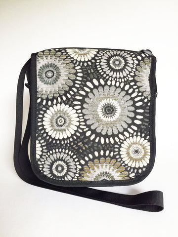 The Day Purse in Ebony