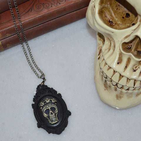 Mexican Sunrise Skull Necklace Black