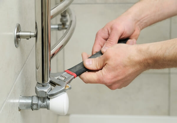How Scale Buildup Occurs and Affects Your Plumbing