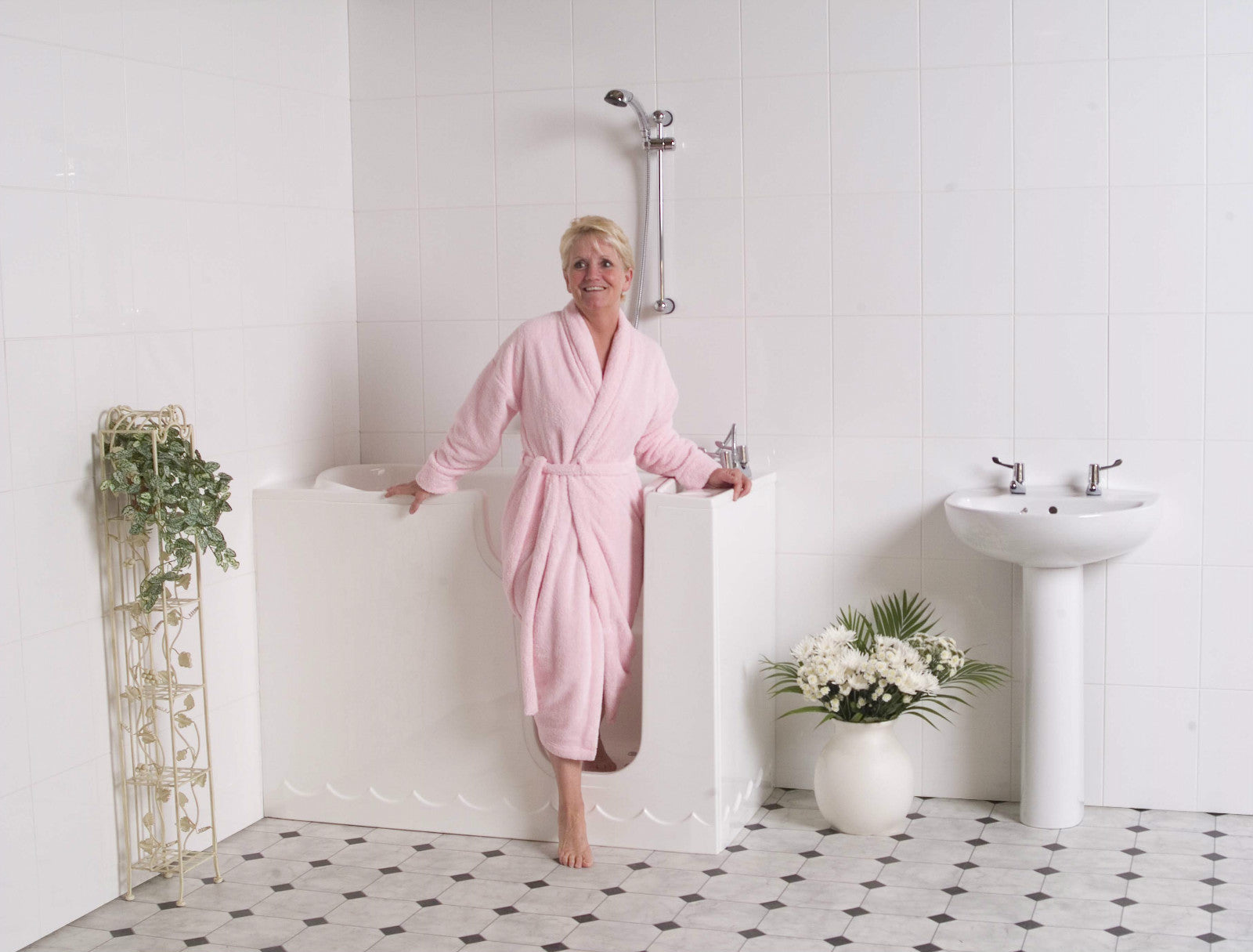 Manufacturer of Walk in Tubs and Showers – Mobility Bathworks Walk ...