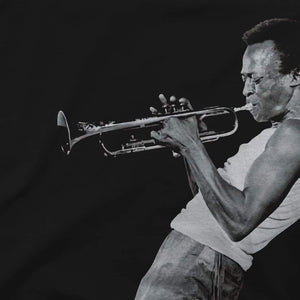 Miles Davis Playing his Trumpet Artwork T-Shirt - [variant_title] by Art-O-Rama