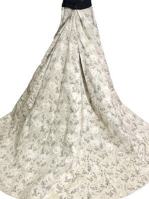 Carolina Herrera Contemporary Dove Grey Brocade Ballgown With Beaded Bandeau Top TRAIN 3 of 7