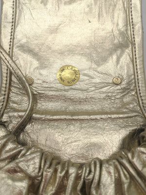 Carvelhu's Gold Leather Purse with Brutalist Medallion DETAIL 4 of 4