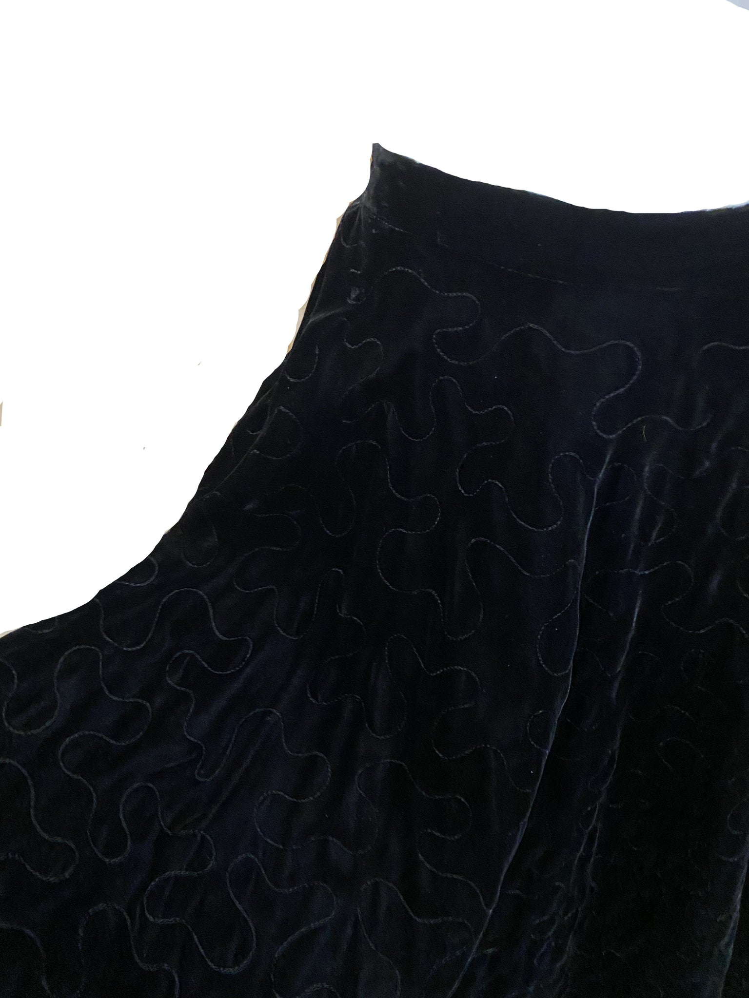 50s Black Velvet Quilted Circle Skirt CLOSE UP 3 of 5