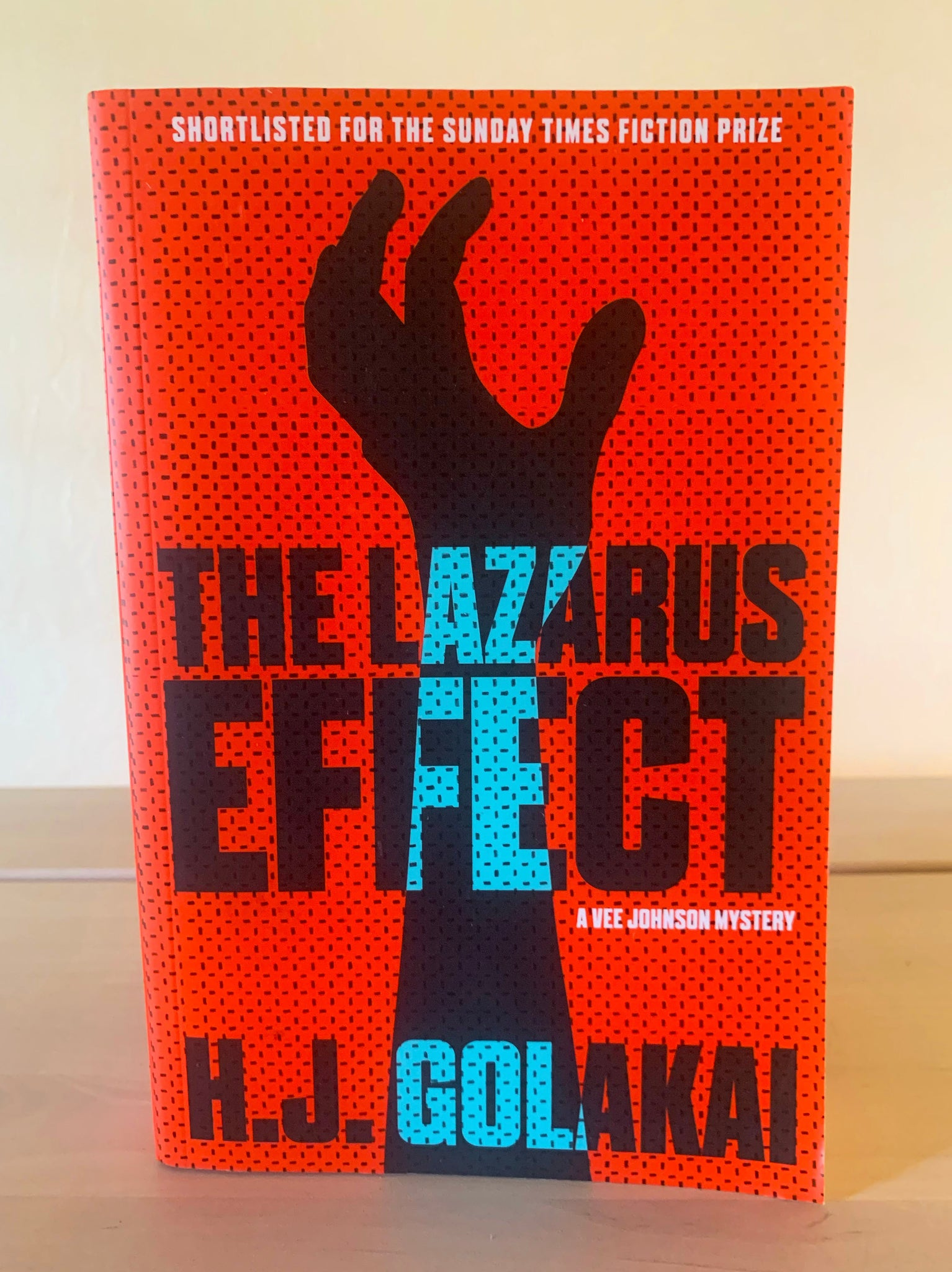 The Lazarus Effect: A Vee Johnson Mystery