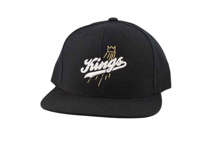 Kings Script (Black/White)