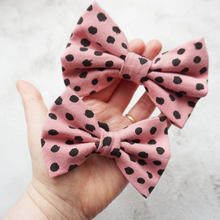 Load image into Gallery viewer, Pink dot jersey Bow