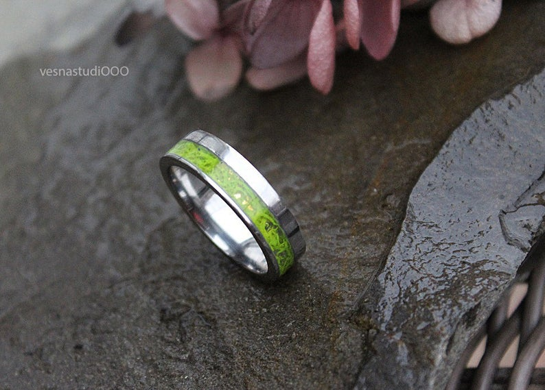 green moss wedding band