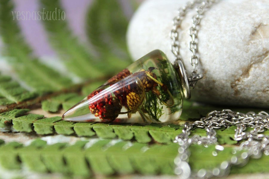 Pendulum Red Strawberry Necklace