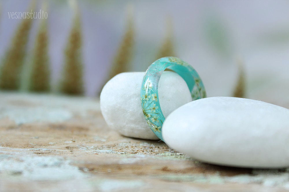 Bluee Queen Anne Lace Resin Ring