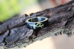 Black Wood Moss Ring