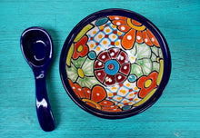 Load image into Gallery viewer, TALAVERA - Molcajete Salsa Bowl With Spoon.