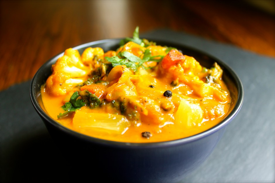 Pineapple Pepper Creamy Coconut Curry