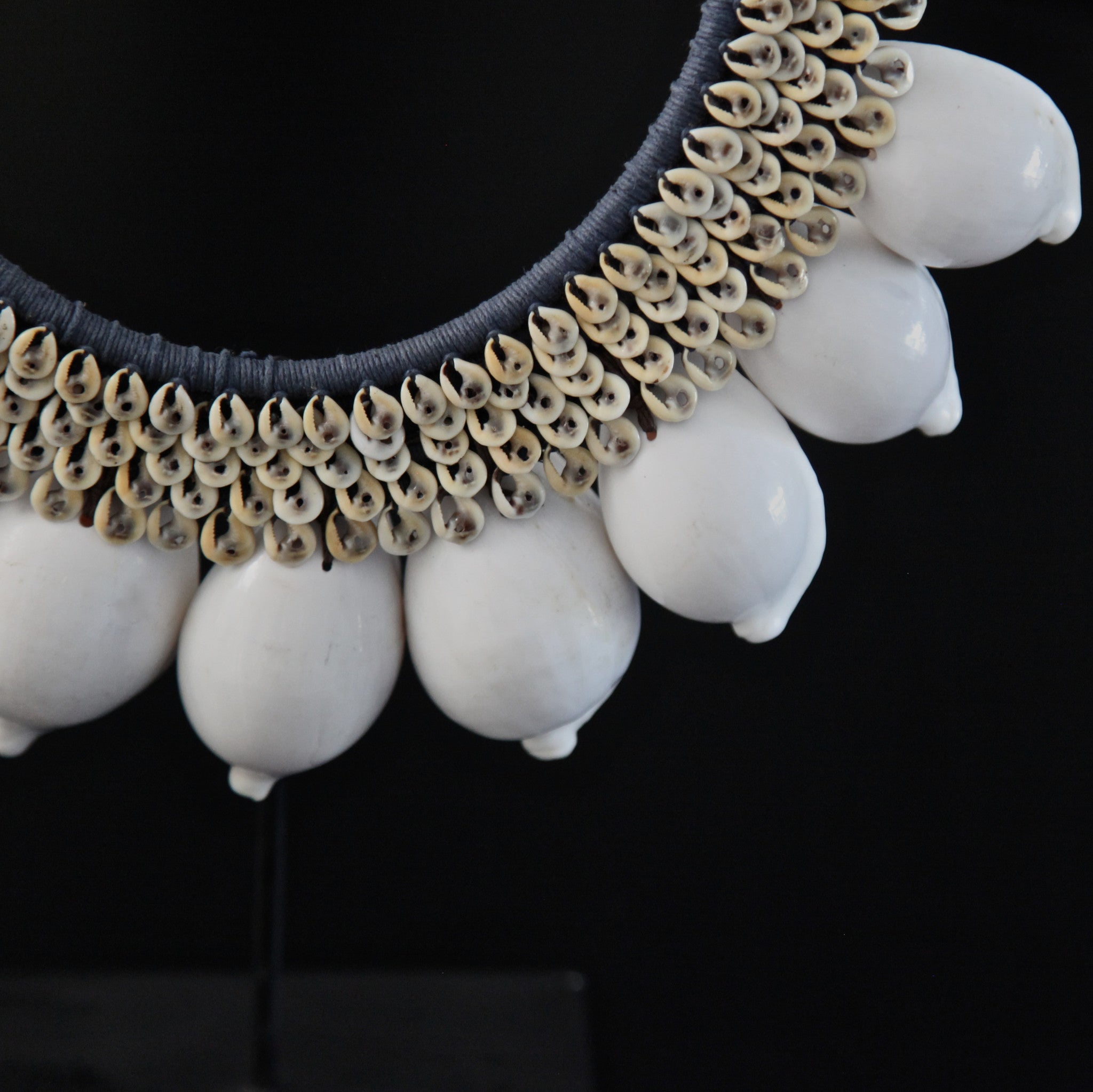 shell necklace - white