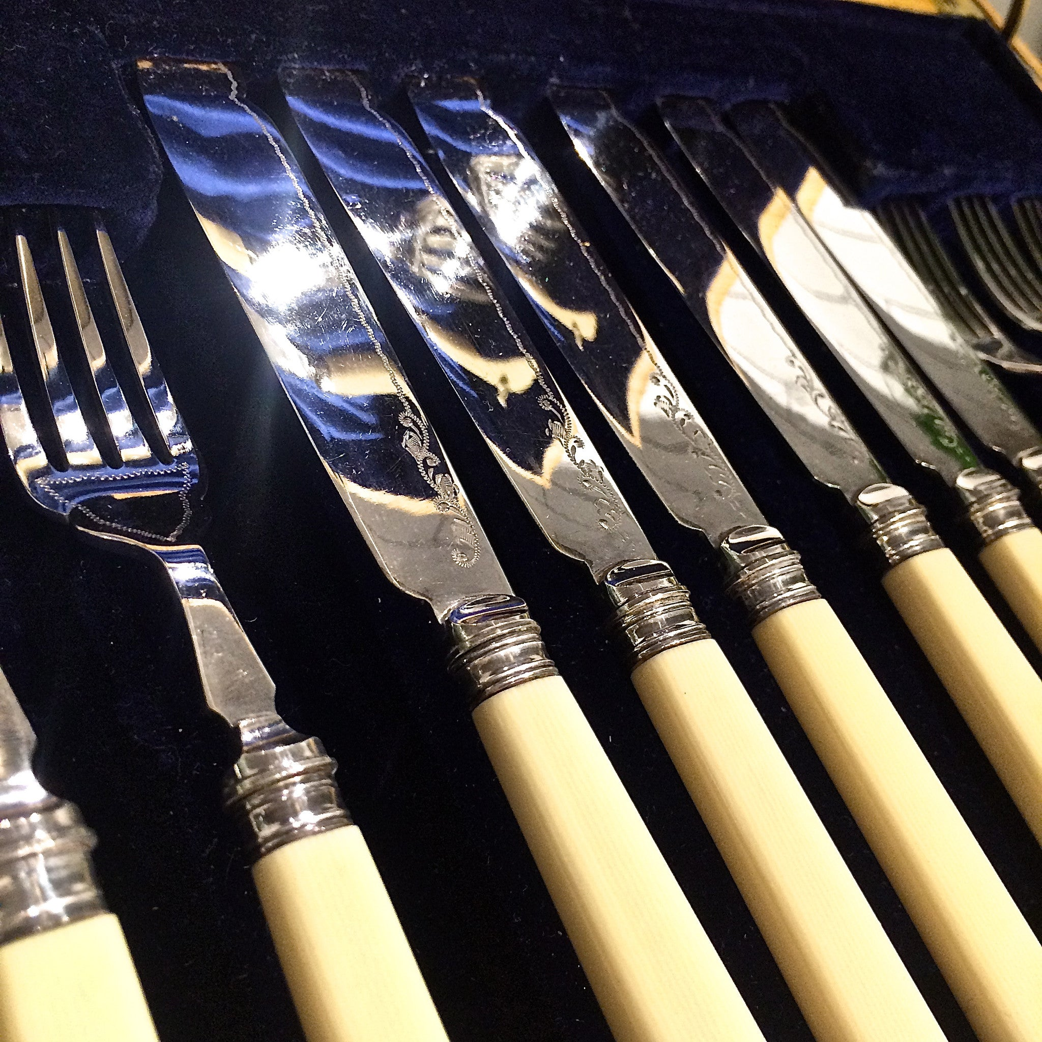 fish knife & fork set