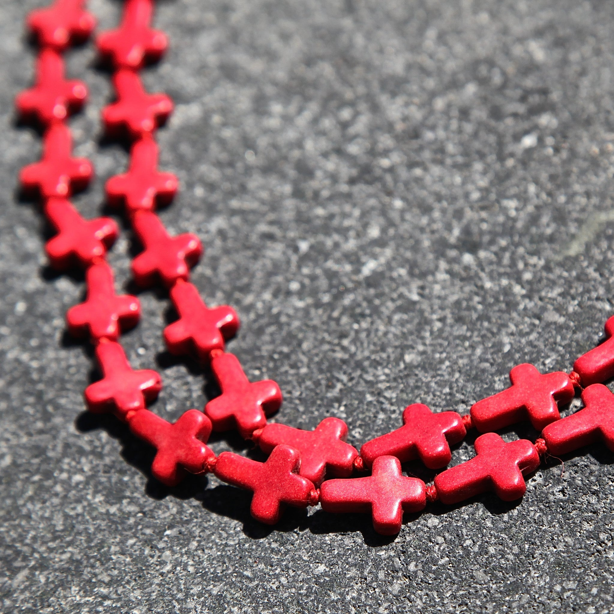 red howlite necklace