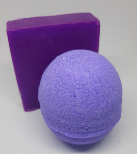 special offer! Alien Space Girl inspired soap and bathbomb