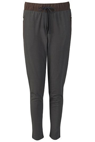 Wellicious <br/> Strike It Pants <br/> pebble grey chocolate