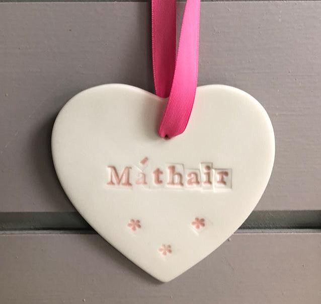 Maple Tree Pottery Máthair Heart Decoration Pink