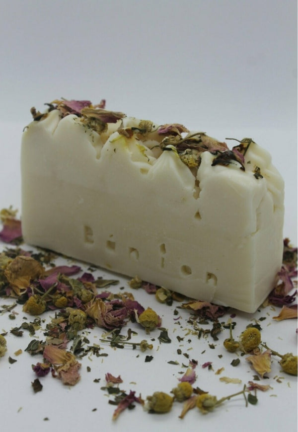 Bán íon Natural with Botanicals Soap