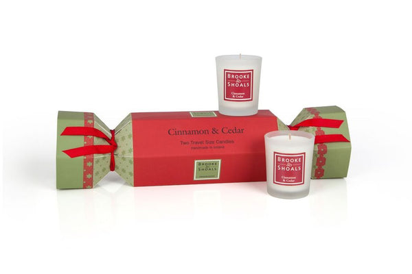 Brooke & Shoals Christmas Cracker Cinnamon & Cedar with 2 Travel Candles