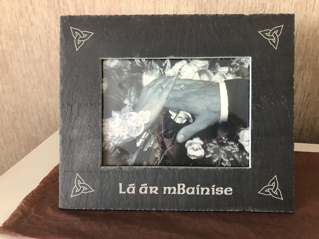 Designed 4U Slate Photo Frame Lá ár mBaíníse