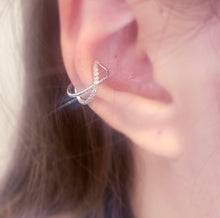 Load image into Gallery viewer, PromiXeDia EarCuff - Silver
