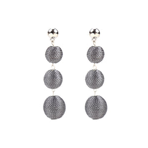 YEHWANG - EARRINGS ROUNDS OF COTTON - GREY - Styling by Claudia