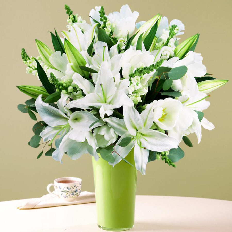 Lilies bouquet in a vase