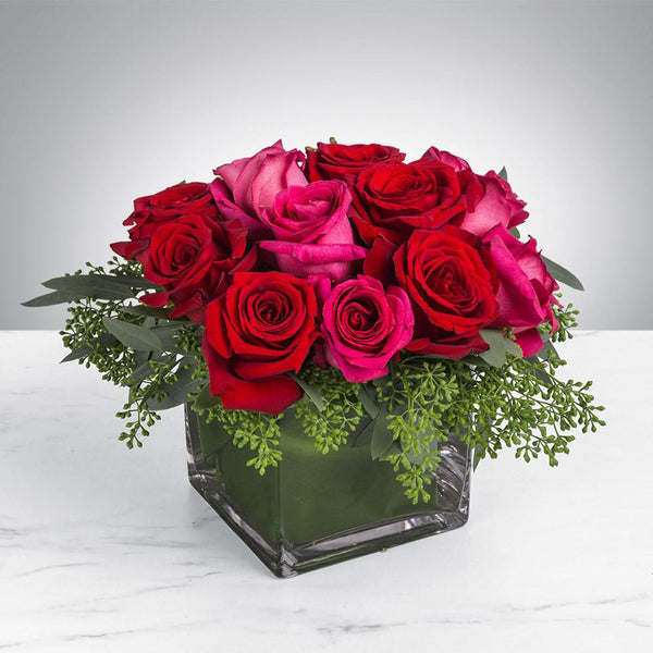 Pink & Red Roses in the vase